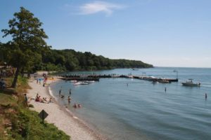 Picture of the beach at the Put-in-Bay State Park