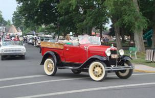 Picture of Put-in-Bay Ohio Antique Car Parade